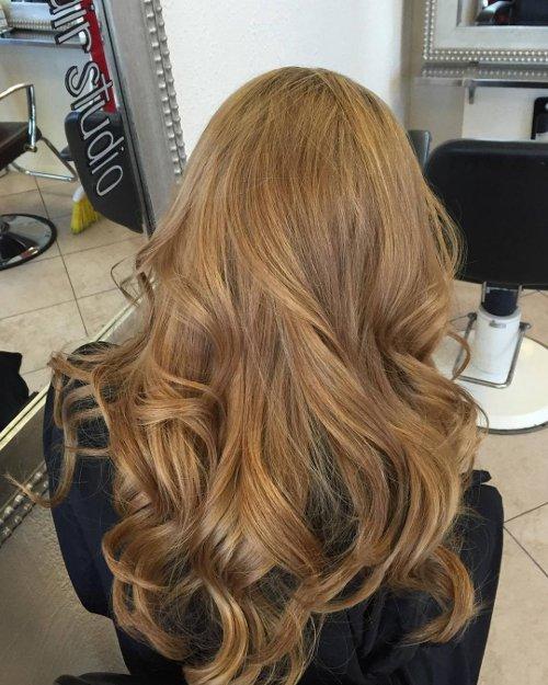 Karamell Haarfarbe