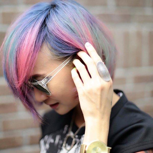 Bunte Metallic Haarfarben