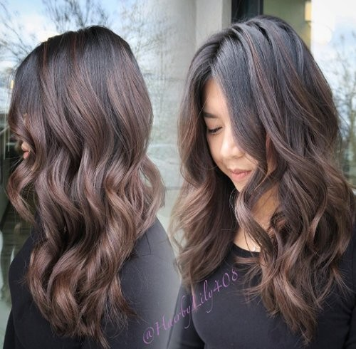 Schokobraune Haarfarbe