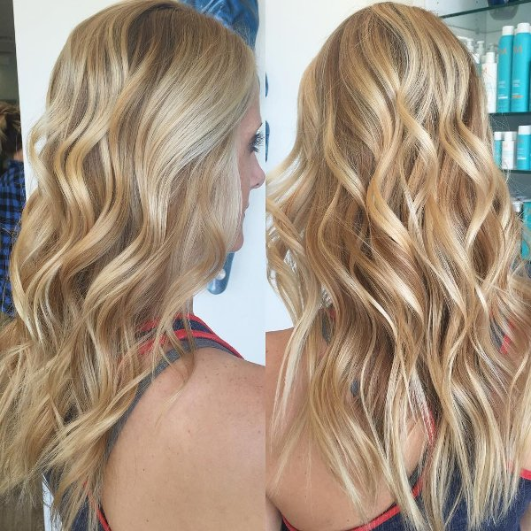 Blonde lange wellige haare