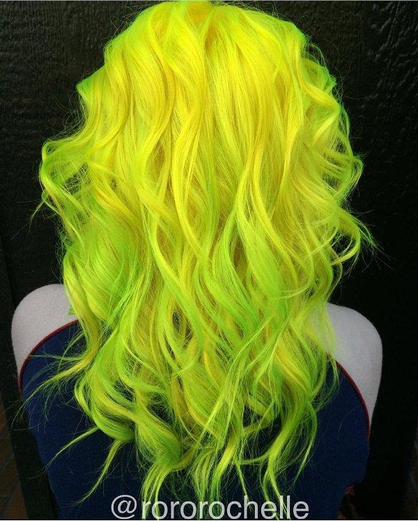 Gelbe Neonfarben für Haare