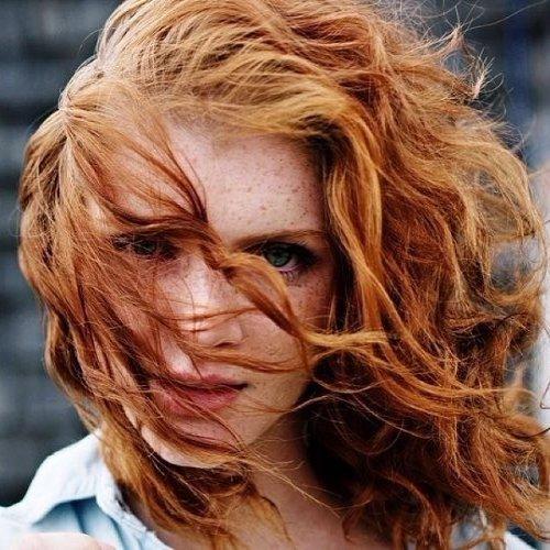 Rote wellige haare