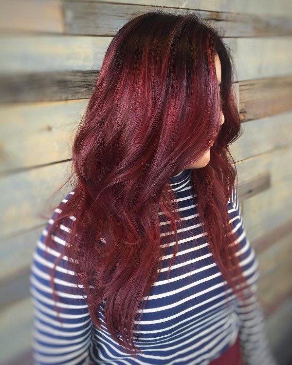 Wein-Rote Haarfarbe