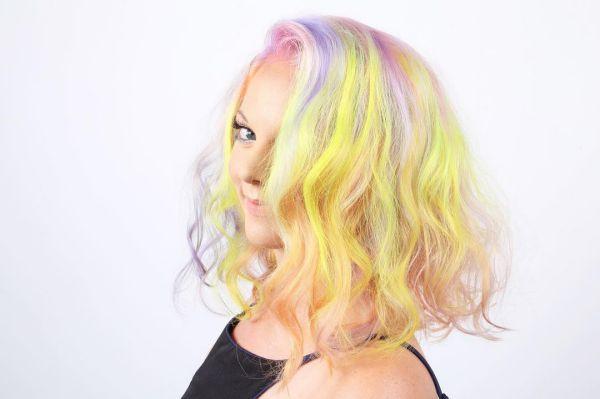 Bunte Metallic Haarfarben Mittellange