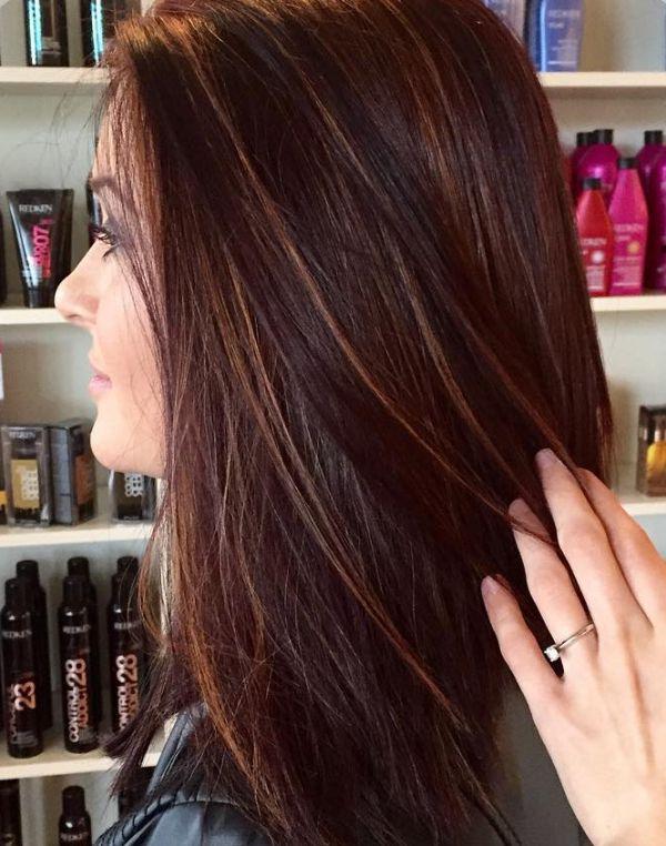 Rote Haare mit braunen strähnen
