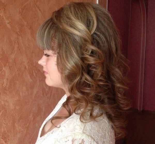 Haarfrisur Empfehlungen für mittellange wellige Haare
