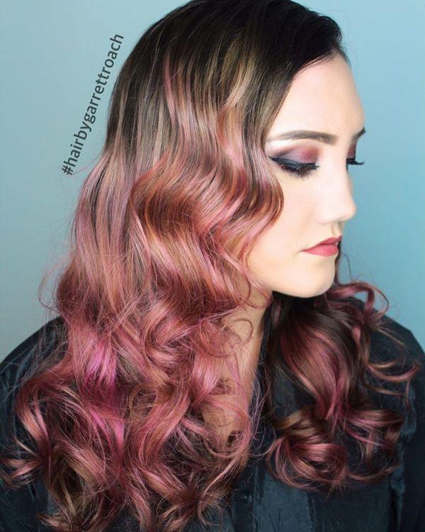 Rose Gold und Lila Haarfarbe