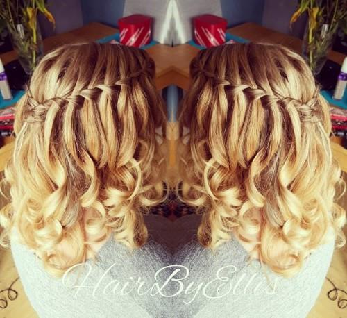 Frisuren Mittellanges Haar Naturlocken Helle Haarfarbe 2019